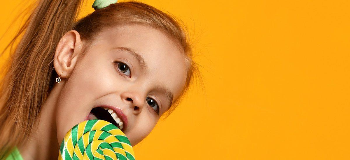 La salud dental de los niños en verano, ¡ojo el azúcar!