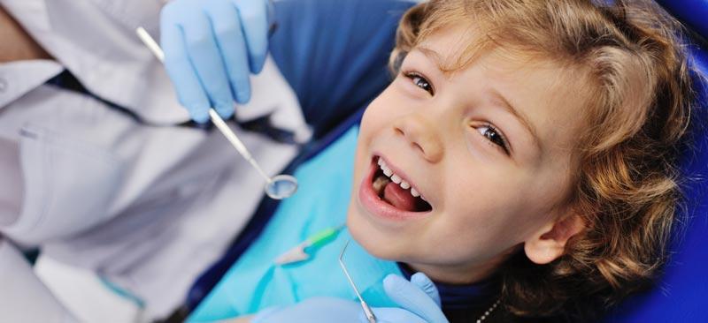 Visita al odontopediatra en verano